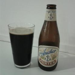 ANCHOR PORTER Elaborada en San Francisco, USA. Sabores a café, chocolate negro y tofe. Estilo porter. 5,6% Alc. http://www.anchorbrewing.com/