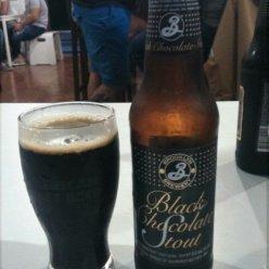 BLACK CHOCOLATE STOUT Elaborada en New York, USA por Brooklyn brewery. Estilo Imperial stout. 10% Alc.