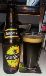 GUINNESS SPECIAL EXPORT Elaborada en Bélgica por Anthony Martin bajo licencia de la marca irlandesa Guinness. De estilo foreign stout. Se trata de una versión de la Guinness foreign extra elaborada con ingredientes belgas. 8% Alc. http://anthonymartin.be/es/productos/guinness/guinness-special-export/-1-38/#